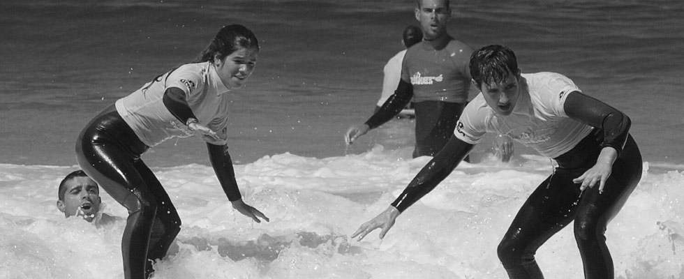 learn to surf in portugal
